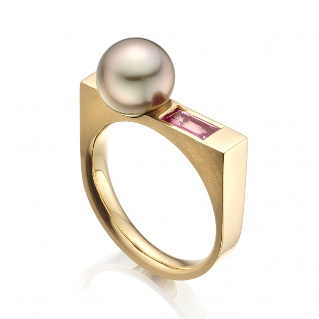 Tehitian Pearl And Pink Sapphire Ring Made 14K Yellow Gold