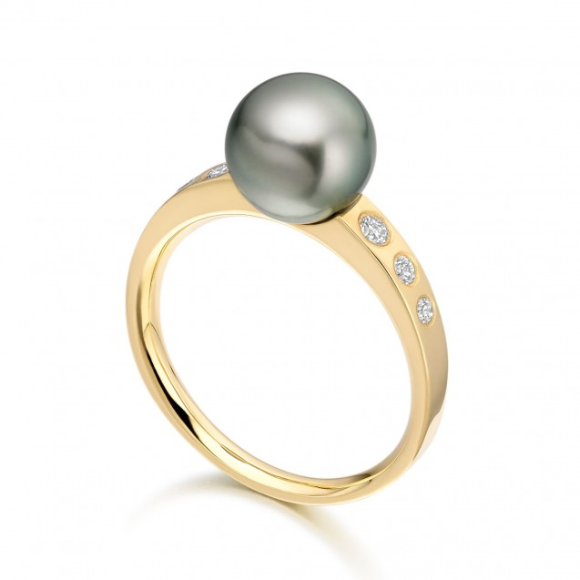 Tehitian Pearl And Diamond Ring Made In 14K Yellow Gold