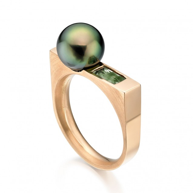 Tehitian Pearl And Green Sapphire Ring Made In 14K Yellow Gold