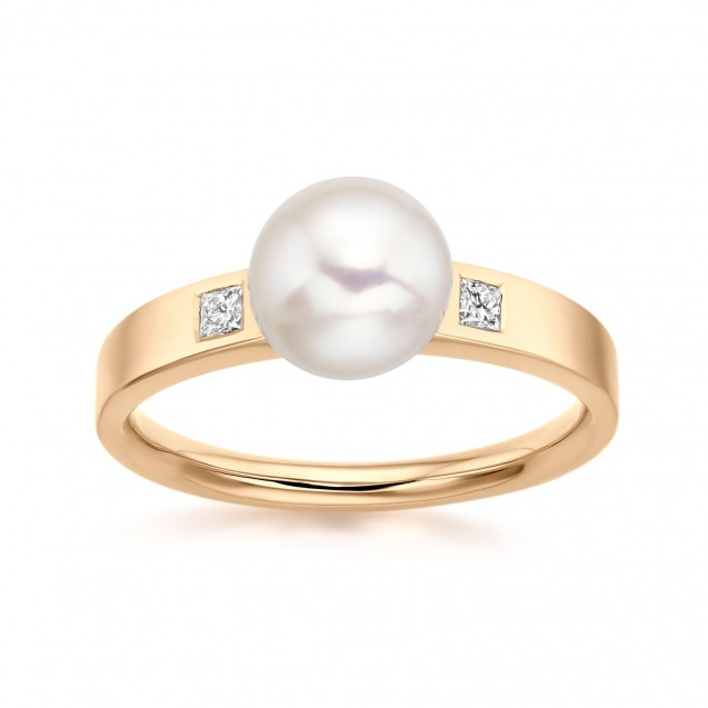Freshwater Pearl And Diamond Ring Made In 14K Yellow Gold
