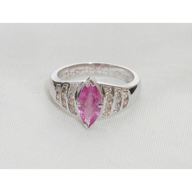 MARQUISE SHAPE PINK SAPPHIRE AND PAVÉ DIAMOND RING( 1.33ct PS)